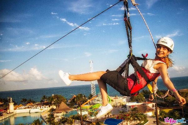 Atracciones en Cancún, Tirolesas en la zona hotelera en Ventura Park Cancún